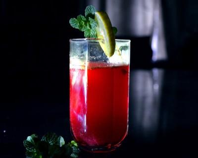 Glas med lingonjuice - minska sötsuget och därmed viktökning och risk för diabetes typ 2.